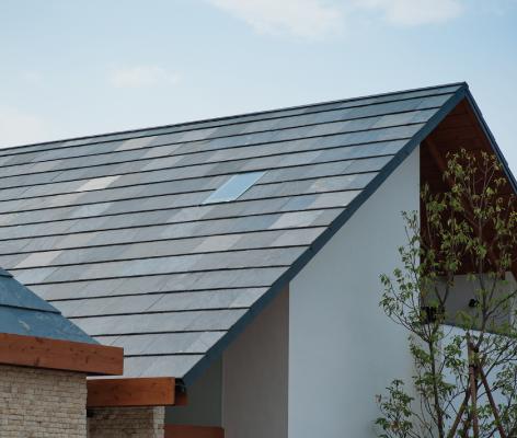 屋根は天然石